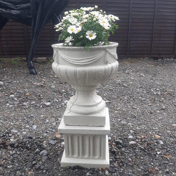 Concrete Pot & Plinth