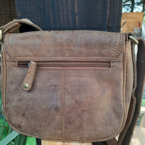 Vintage-tan-leather-bag