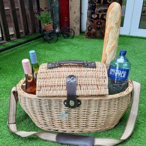 Large Willow Picnic Basket (4 Person)